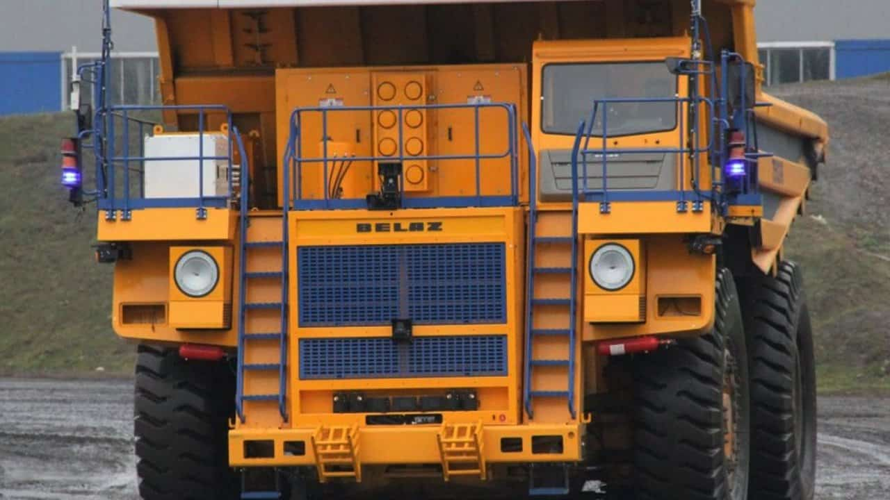 Zyfra Commissions Its First Unmanned Haul Truck B E L A Z 7513 R