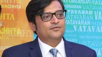 Photo of FIR against Arnab Goswami for accusing Sonia Gandhi over Palghar incident