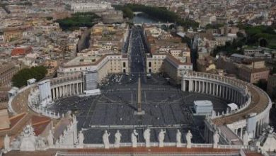 Photo of Pope marks Holy Week alone for 1st time in history