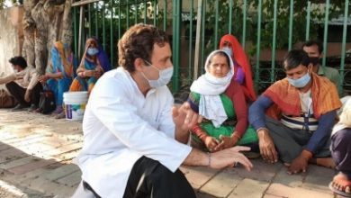 Photo of Rahul's meeting with migrants ignites Cong-govt verbal duel