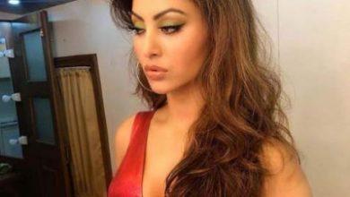 Photo of Red hot Urvashi Rautela has a 'shady Saturday'
