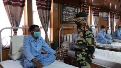 Army Chief Visits Leh Interacts With Injured Soldiers