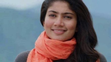 Sai Pallavi Takes Every Opportunity To Smother Her Mother