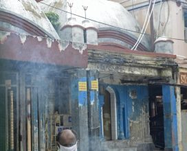 Photo of After 100 days, Kolkata's Kalighat Temple reopens doors to devotees