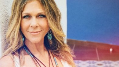 Photo of Rita Wilson: Why wouldn't you wear a mask if it's good for your health?