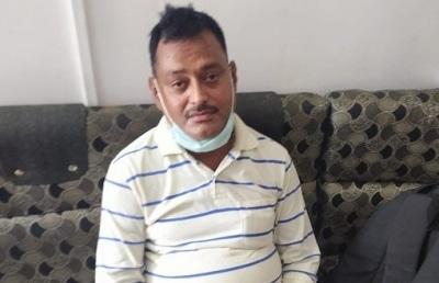 Vkas Dubey Surrenders In Ujjains Mahakaal Temple Ld