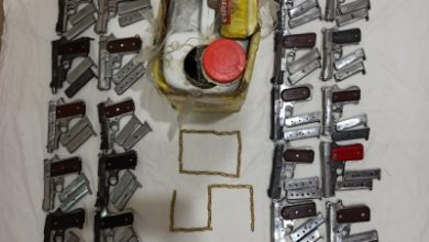 Photo of Delhi Police nab arms supplier, recover tin full of pistols