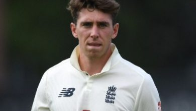 Photo of England's Dan Lawrence exits bio-secure bubble after family bereavement
