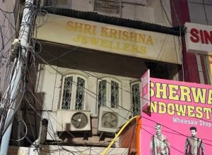 Intimidated By Money Lenders Jeweller Brothers Hang Themselves In Delhi Shop
