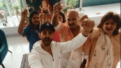 Photo of Hrithik Roshan shares glimpse of Ganesh Chaturthi celebration with family