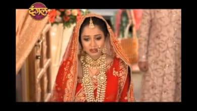 Vidhi Is Embarrassed In Aye Mere Humsafar Serial